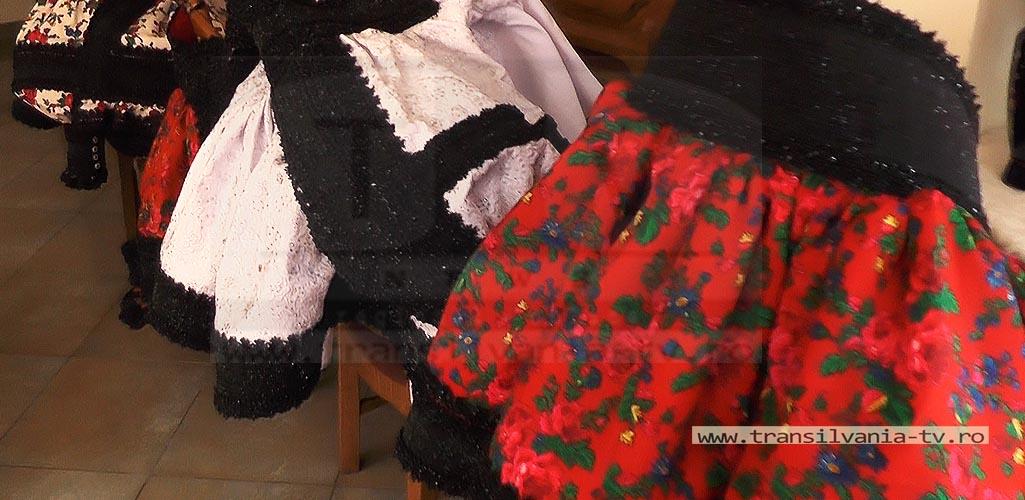 Certeze-Costume osenesti-21