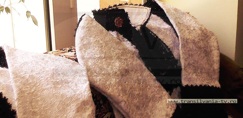 Certeze-Costume osenesti-27