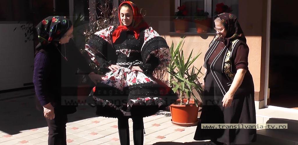 Certeze-Costume osenesti-4