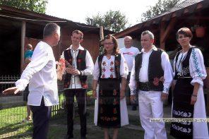 Nuntă tradiţională pe Valea Someşului. Port popular în locul  hainelor domneşti (VIDEO-Galerie FOTO)