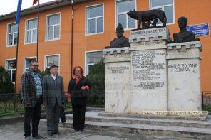Unicat în România! Doctor de meserie, donator de…statui! (VIDEO-Galerie FOTO)
